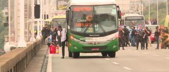 Sequestrador de ônibus na Ponte Rio-Niterói é morto por atirador de elite; foram três horas e meia de cerco