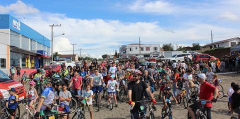 Passeio Ciclístico estimulou a prática de atividades física em todas as idades