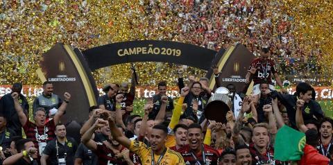 Flamengo vira no final e é bicampeão da Libertadores