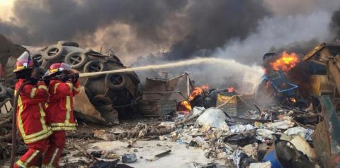 Grande explosão atinge área portuária de Beirute; governo cita alto número de feridos