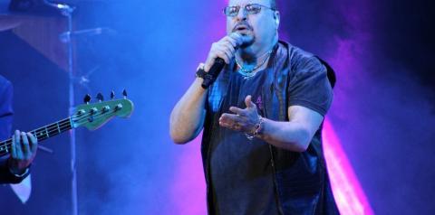 Paulinho, vocalista do Roupa Nova, morre aos 68 anos, após contrair Covid-19
