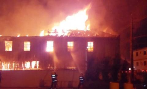 Incêndio em hotel no centro de União da Vitória deixa um morto