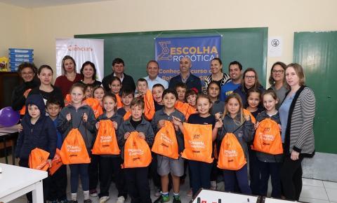 Papanduva: Secretaria Municipal da Educação realizou a aula Inaugural do Programa Piloto de Robótica Educacional.
