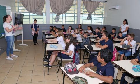Alunos do 5º ano participaram de projetos desenvolvidos para o Congresso de Prefeitos realizado pela FECAM.