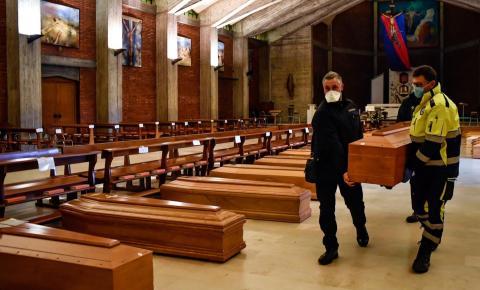 Itália atinge recorde de quase mil mortes causadas pela Covid-19, em 24H