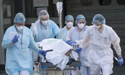 Brasil tem 800 mortes e 15.927 casos confirmados de coronavírus, diz ministério