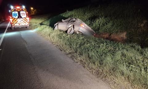 Condutor fica ferido após saída de pista na BR-116, em Papanduva