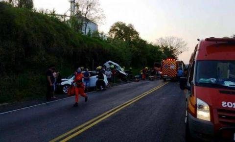 Bebê e quatro homens morrem em acidentes nas rodovias de SC
