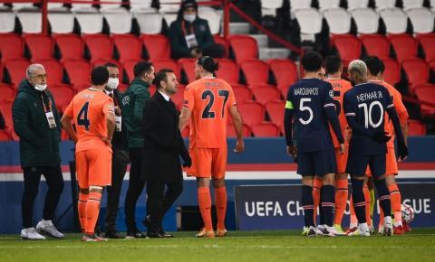 Jogadores do PSG e Istanbul deixam jogo após caso de racismo