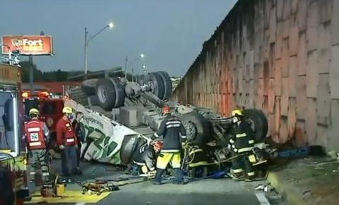 Morador de Três Barras morre em grave acidente na Br 101, em Joinville