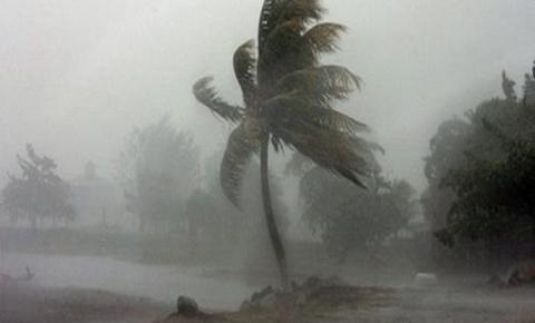 SC confirma alerta para tempestades severas com ventos acima de 80 km/h; veja regiões