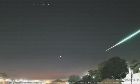 Meteoro de 'brilho intenso' é registrado por câmeras de monitoramento de Monte Castelo SC